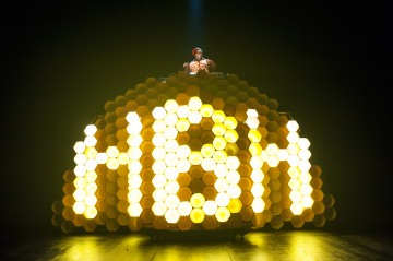 Hot Brown Honey pic 08 - photo by Dylan Evans